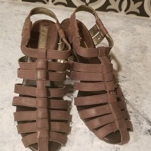 Brown leather strappy heels, Banana Republic, Sz 6